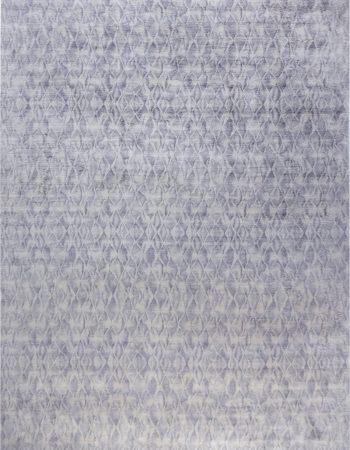 Silver Diamonds Silk Rug N12142