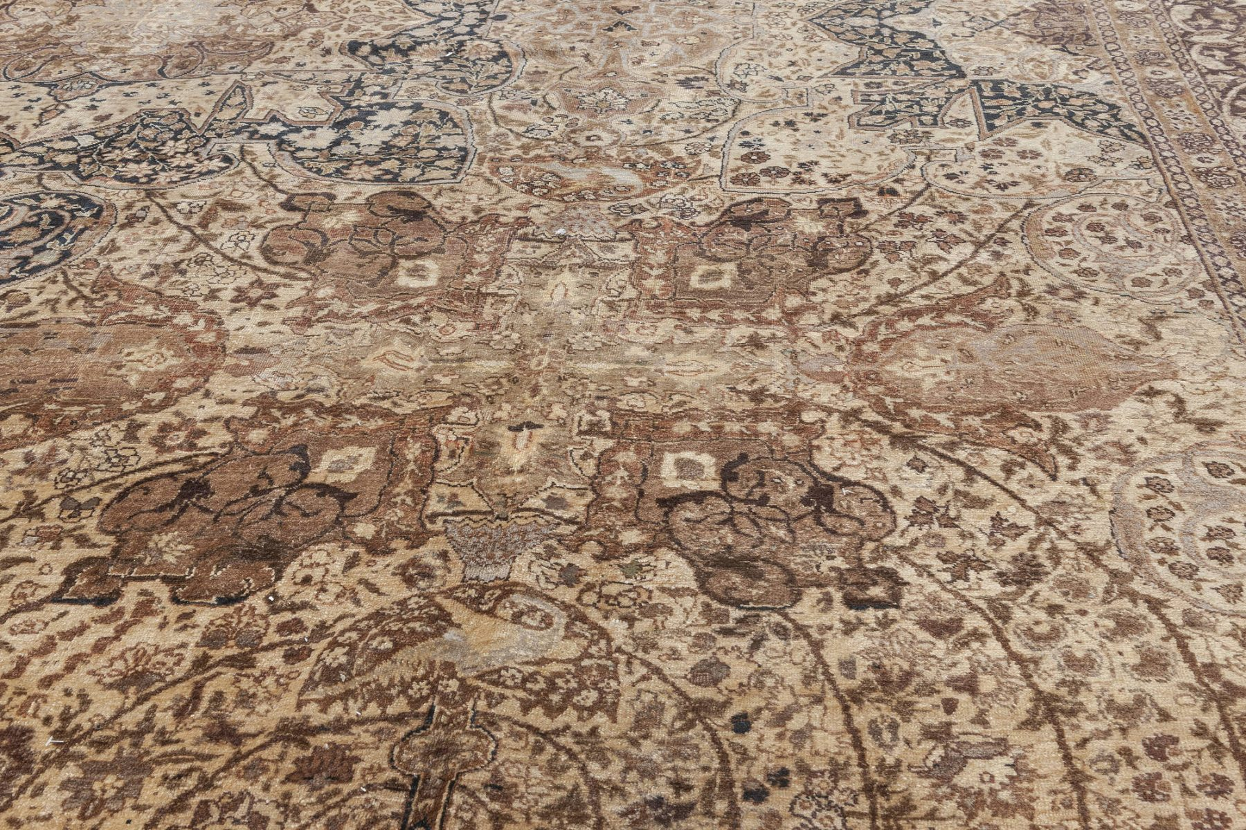Antique Persian Tabriz Rug BB7035