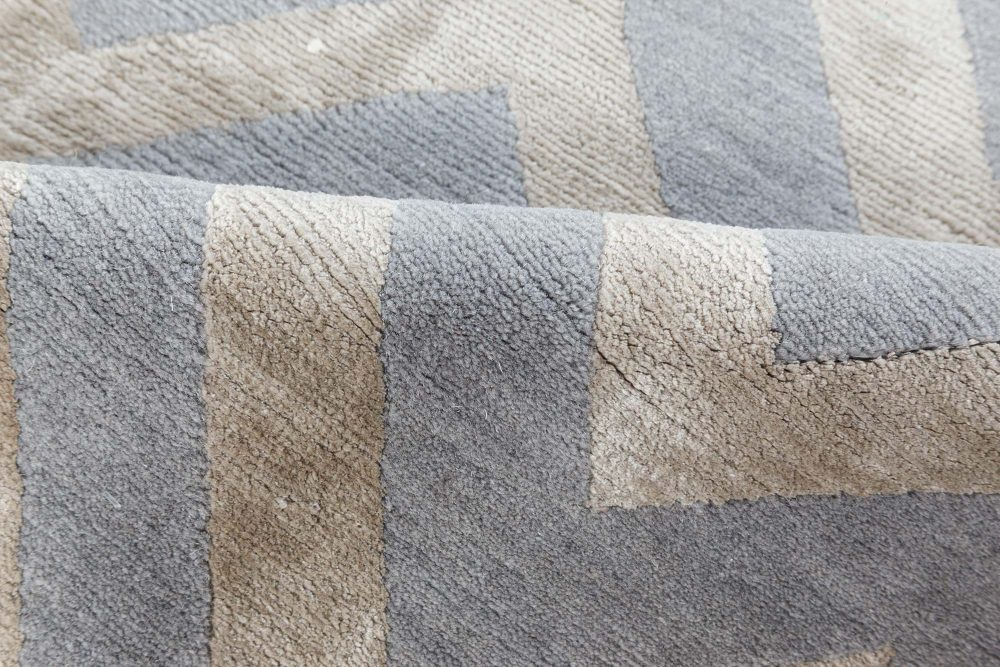 Contemporary Beige and Grey Handmade Wool and Silk Runner N12067