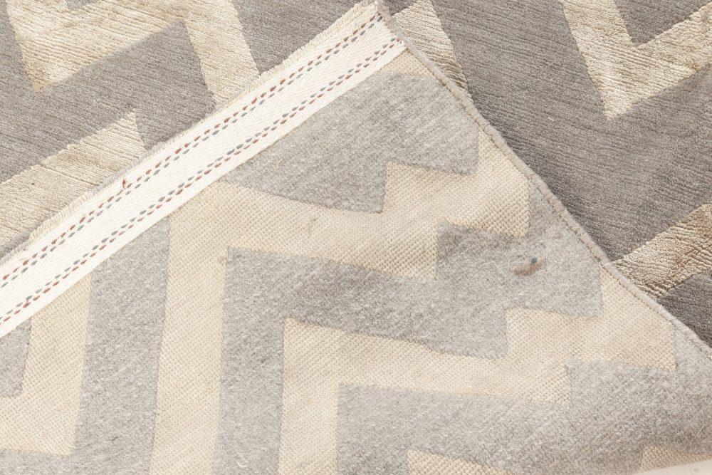Rocky Peaks Silk and Wool Rug in Beige and Grey N12066