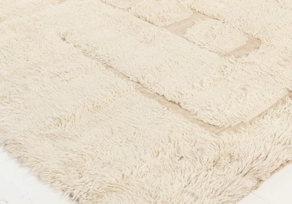 Tribal Style Moroccan Shaggy Wool Rug with High-Low Design N12070