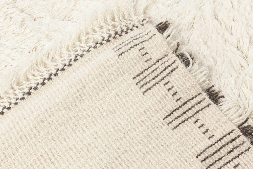 Handmade Moroccan Wool Rug with Geometric Tribal Design N12078