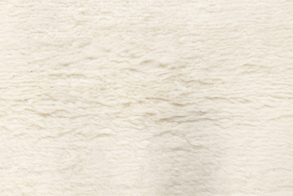 Modern Moroccan in Tufted White Wool N12079