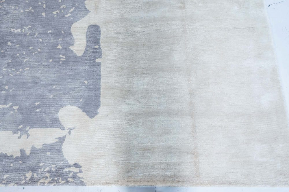 Hand Knotted Silk Rug in Beige and Grey N12117