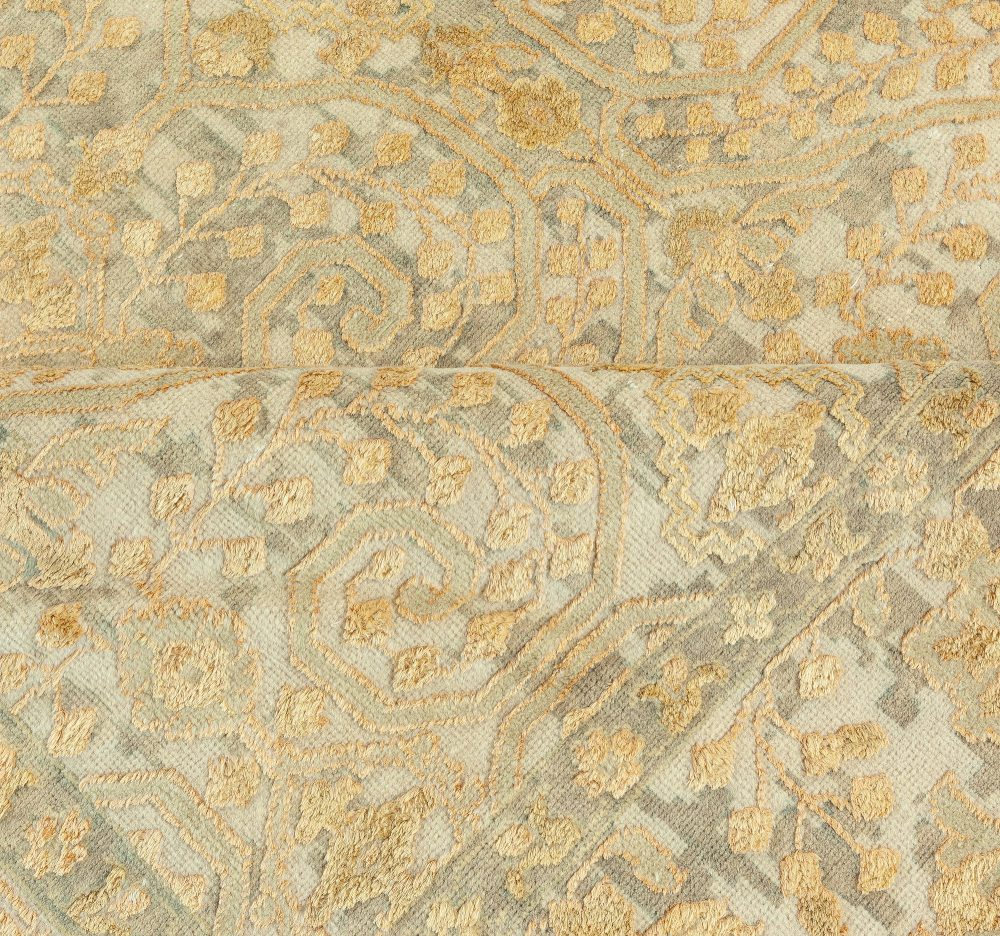 Classic Golden Damask Rug in Silk and Wool N12148