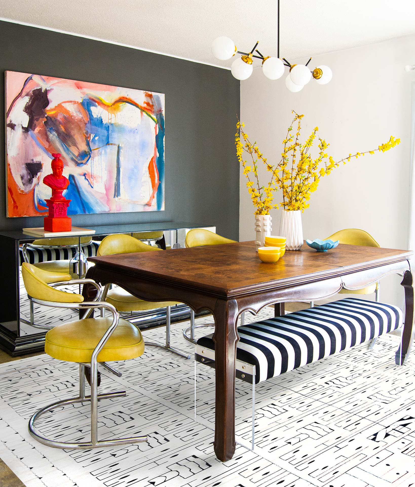 Schwedischer Skvattram Halbflor Geometrischer Weiß-Schwarzer Teppich N12060.  Katherine Thewlis von Hausmatter