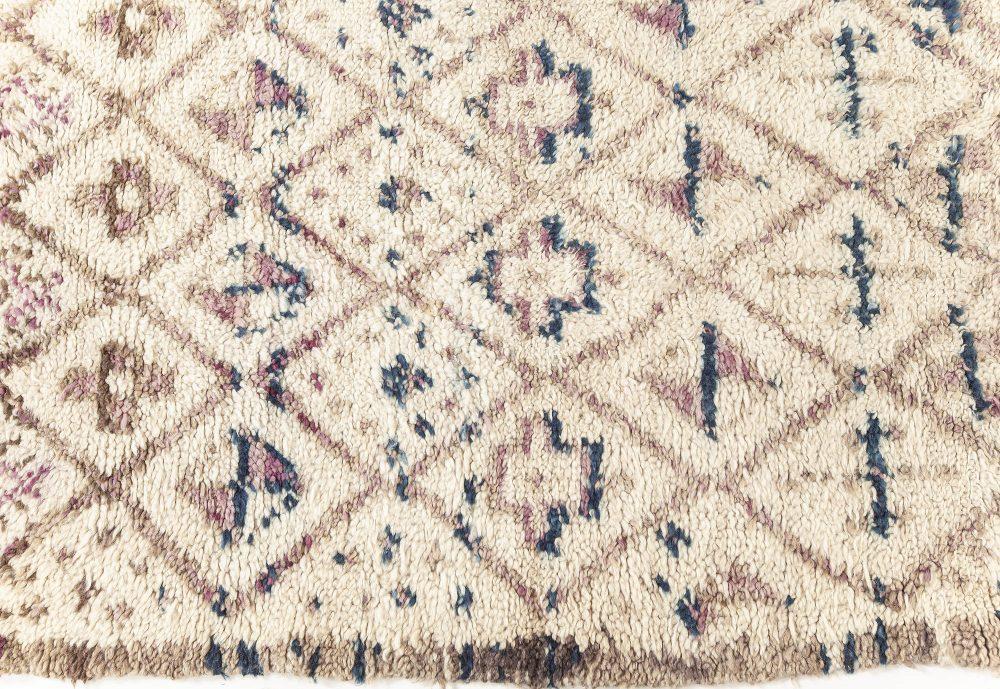 Vintage Moroccan Rug BB7610