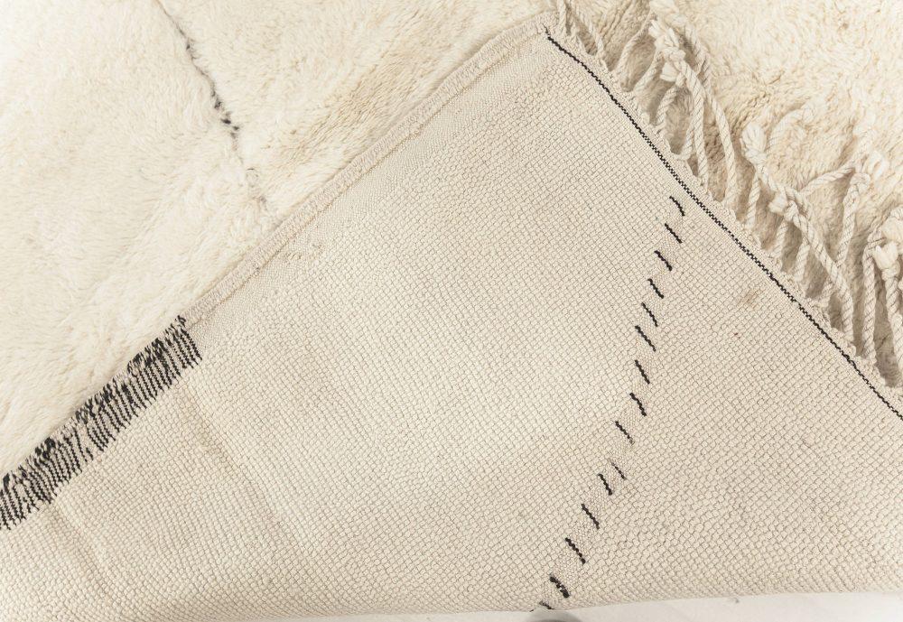 Tribal Style Moroccan Rug in White Wool N12186