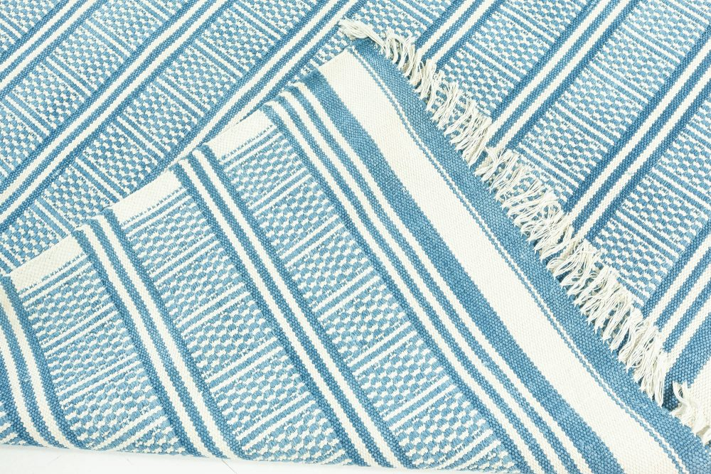 Large Traditional Style Contemporary Blue Dhurrie Rug N12212