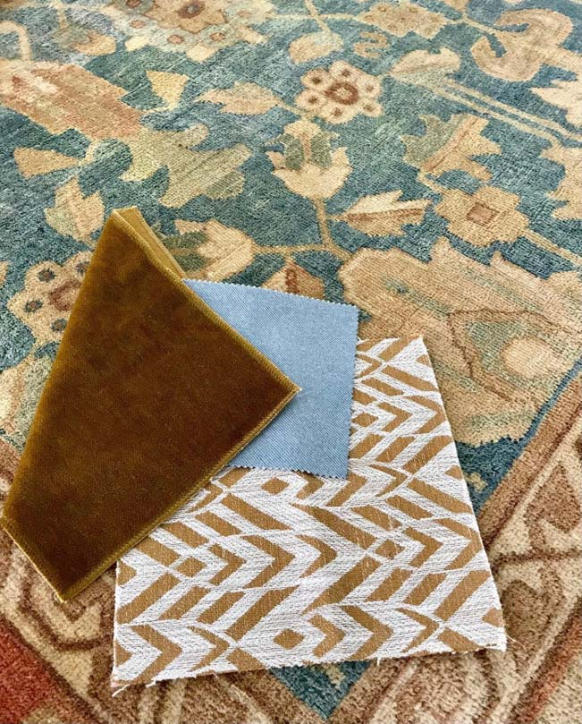 Antiker Täbris-Teppich